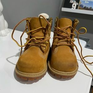 Used Timberland boots toddler size 4.5